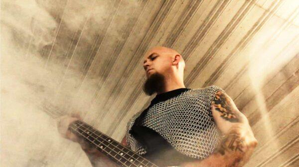 Cultic Bassist